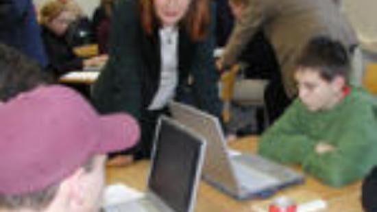 Edelgard Bulmahn besucht eine Schule in Ostfriesland