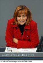 Edelgard Bulmahn im Plenarsaal des Deutschen Bundestages